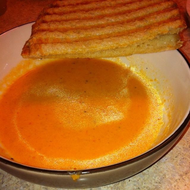 Roasted tomato soup with grilled cheese pannini