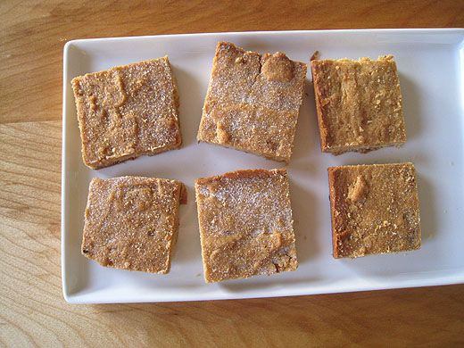Brown sugar walnut shortbread - perfect for an untraditional pie crust ...