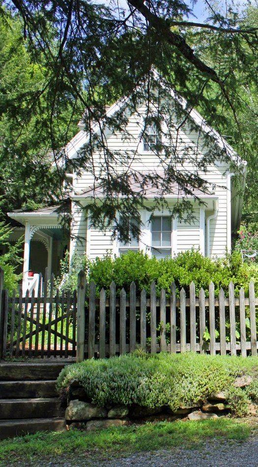 Old Farm House amp Picket Fence Fences Pinterest
