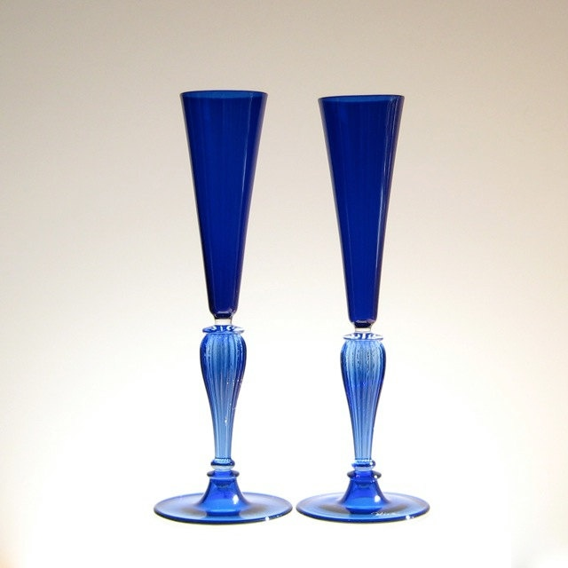 Hand blown champagne flutes things i adore pinterest - Hand blown champagne flutes ...