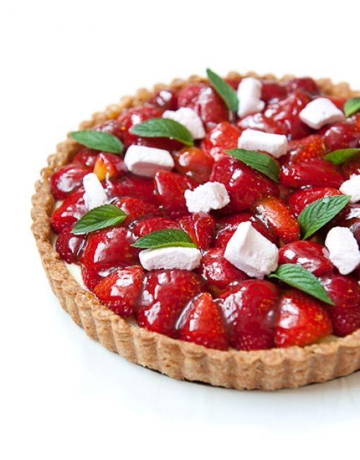 Marshmallow Strawberry Tart | Bake Shoppe - Pies and Tarts | Pinterest