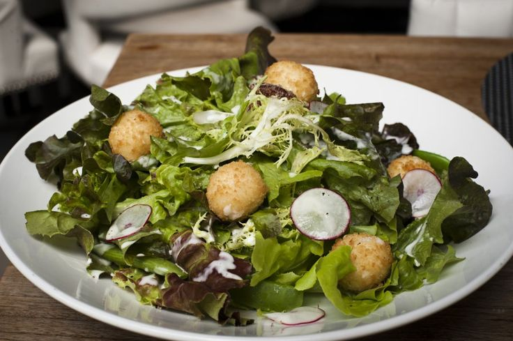 Fried goat cheese salad | Food | Pinterest