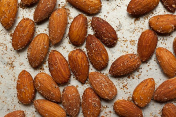 Sweet And Spicy Chinese Five Spice Roasted Almonds Recipe ...