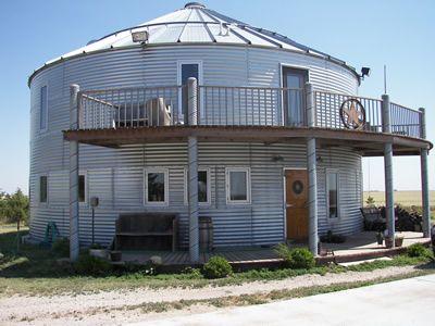Pin by shannon stuart on grain bin houses pinterest for Silo home designs