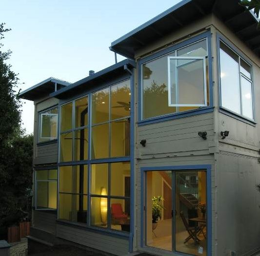 Reefer shipping container home - look closely at the right hand (side ...