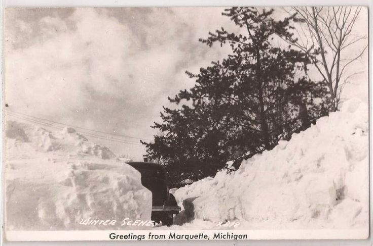"... MI RPPC Postcard ""Winter Scene"" Car High Snow Banks Real Photo Unused"