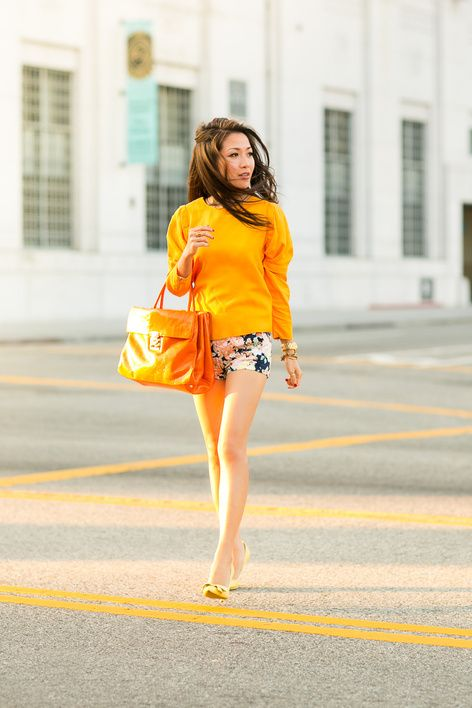 Happy Colors :: Floral shorts & Orange tote : Wendy's Lookbook