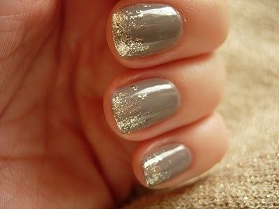 gray nails, gold glitter