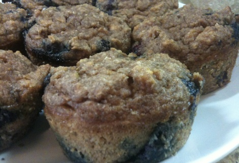 paleo cinnamon apple blueberry muffins - my sweet tooth is calling ...