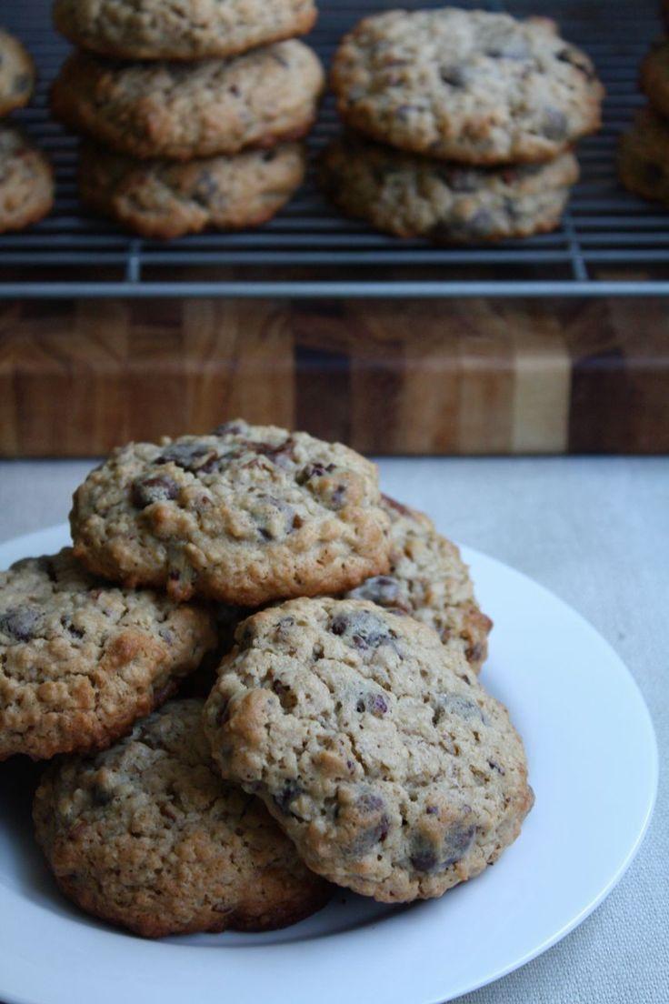 Giant Oatmeal Raisinet Cookies | food | Pinterest