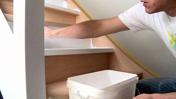 Comment peindre laquer un escalier en bois by levis for Peindre un escalier en bois