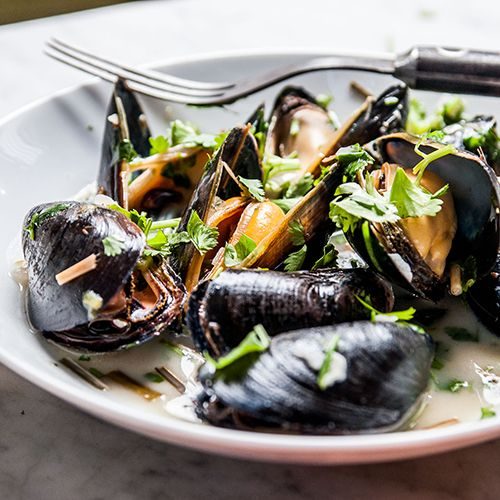Spicy Thai Style Coconut Mussels with Lemongrass from @Elliott Neal