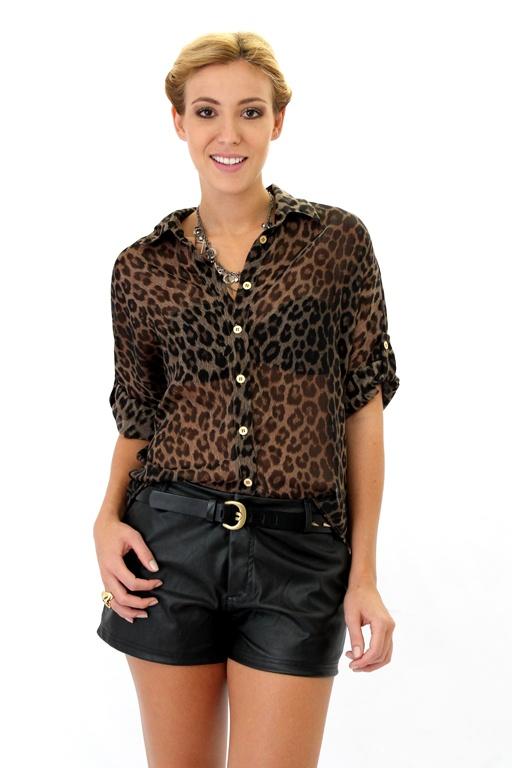Short / saia couro C + blusa de onça