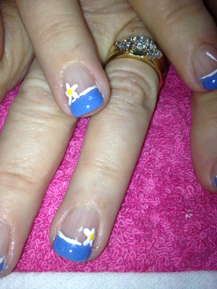 blue gel nails. Done with pigment powder and non-toxic orderless gel