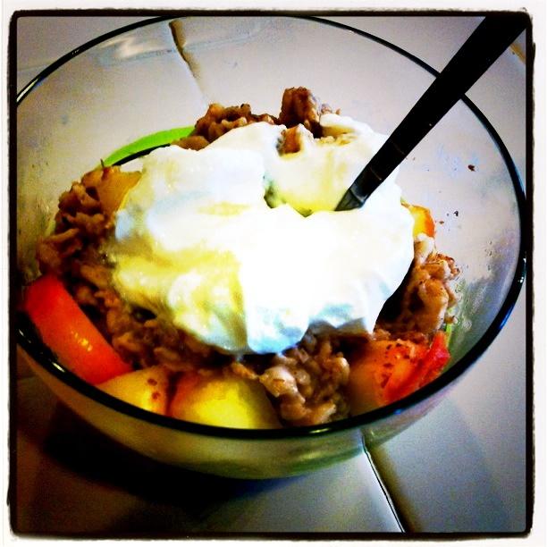 Gluten-Free Baked Apple Oatmeal A La Mode -> http://bit.ly/skhgfbao # ...