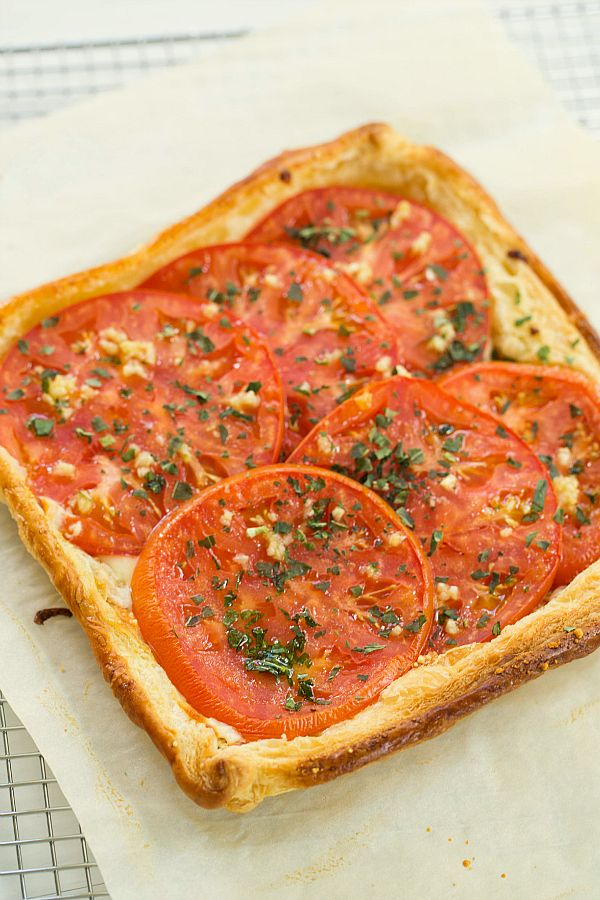 Tomato and Mozzarella Tart by @Michelle (Brown Eyed Baker) :: www ...