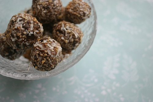 Chocolate Earth Balls Ingredients: -1 cup Justin's Honey Peanut Butter ...