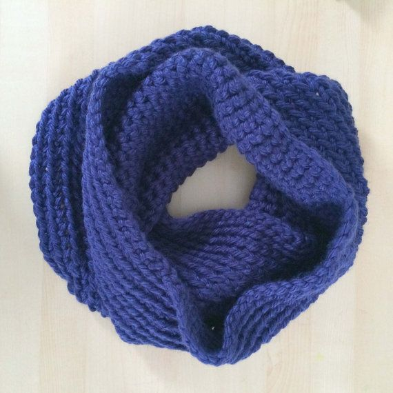 Crocheting Infinity Scarf For Beginners : Chunky Crochet Infinity Scarf Great for Beginners Easy and Fast