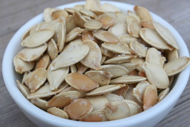 steps to perfectly toasted pumpkin seeds   Chatelaine