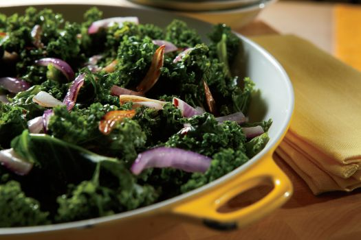 Sauteed kale with garlic and red onions. | Clean eating | Pinterest