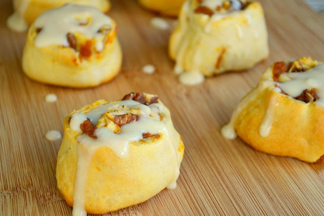 Easy pumpkin cinnamon rolls with maple cream cheese icing recipe aka ...