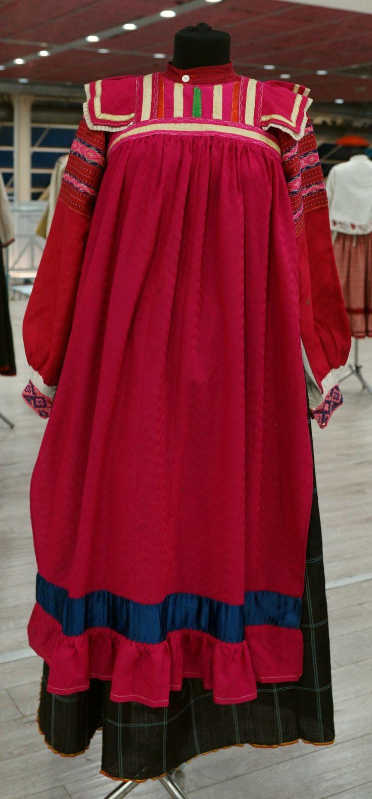 Женский русский народный костюм сшить