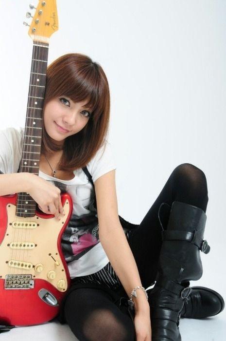 南里美希ギターストラト