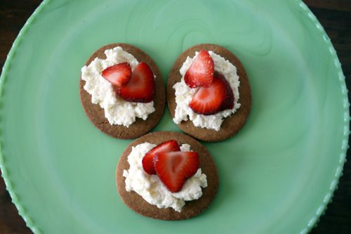 strawberry ricotta graham tartlets recipes dishmaps strawberry ricotta ...