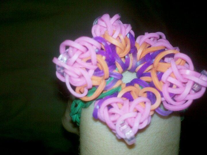 rainbow loom hibiscus bracelet rainbow loom pinterest
