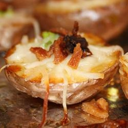 Cheese and Bacon Potato Rounds - Looks delicious (minus the onions ...