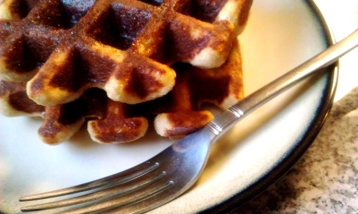 Almond Flour Coconut Waffles – The Foodee Project