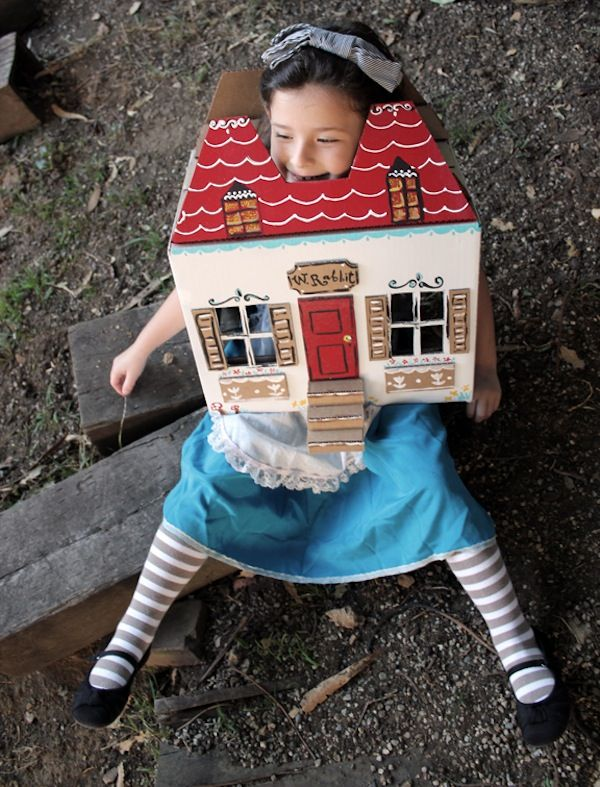 27 Magical DIY Crafts Inspired by Alice in Wonderland