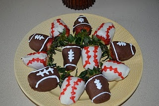 Sports chocolate covered strawberries | My Creations @ Aloha: Yinz Ma ...