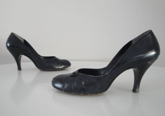 Vintage 1950s 50s Womens Shoes Pumps Size by littlestarsvintage, $23
