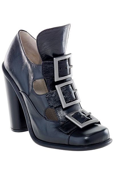 Gotta have this shoe, it's a CLASSIC!- marc-jacobs-womens-shoes-and