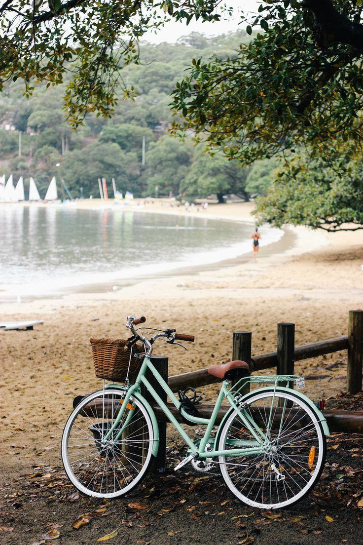 Balmoral Beach, Sydney & a pretty bike //