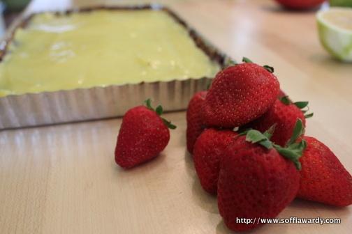 Meyer Lemon Curd Strawberry Tart with Nut Crust ~ crust: 4 C Walnuts 6 ...