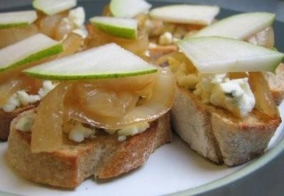 caramelized onion tart with gorgonzola and brie pear gorgonzola tart ...