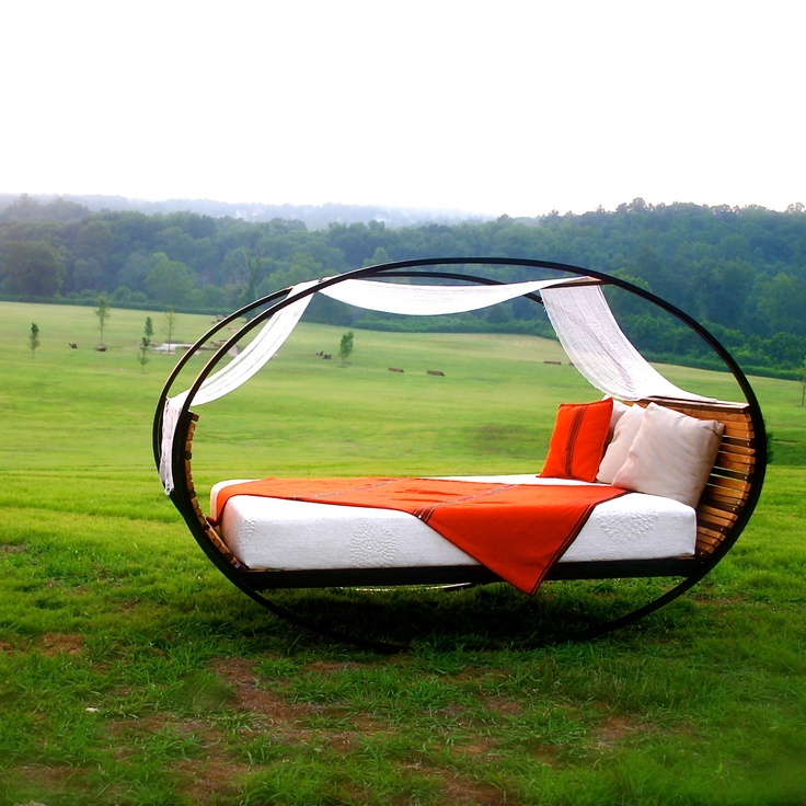 found another one! ... this is probably the coolest bed I've ever seen. Can be stable or rock. I want this in the backyard of my dream farm house. oh my!