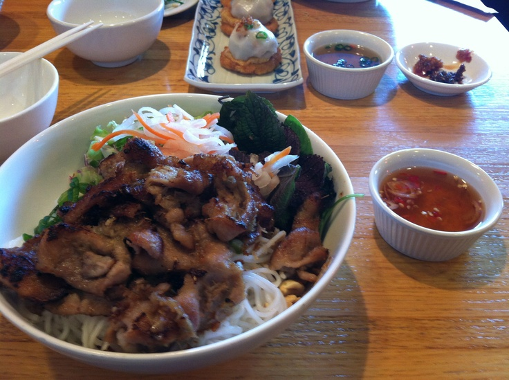 Vietnamese BBQ Shrimp Vermicelli (Bun Tom Heo Nuong) Recipe ...