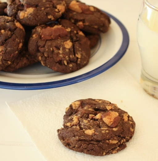 chocolate peanut butter cup cookies | Recipes I want to try | Pintere ...