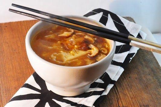 Vegan hot and sour soup | Skinny Jeans Food Blog | Pinterest