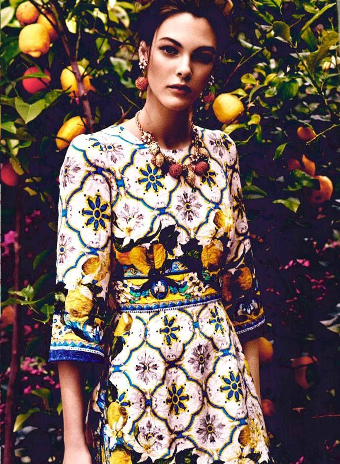 Marie Claire Кувейт и Аравия стреляет Dolce & Gabbana осень-зима 2014-15 Преколлекция с Vittoria Ceretti погружен в природу