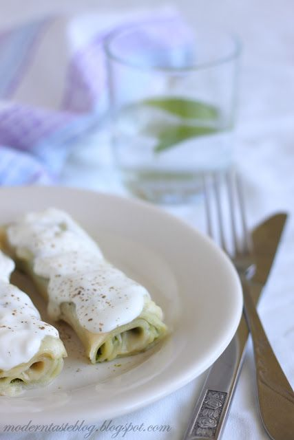 basil ricotta and tomatoes spinach crepes with ricotta tomatoes and ...