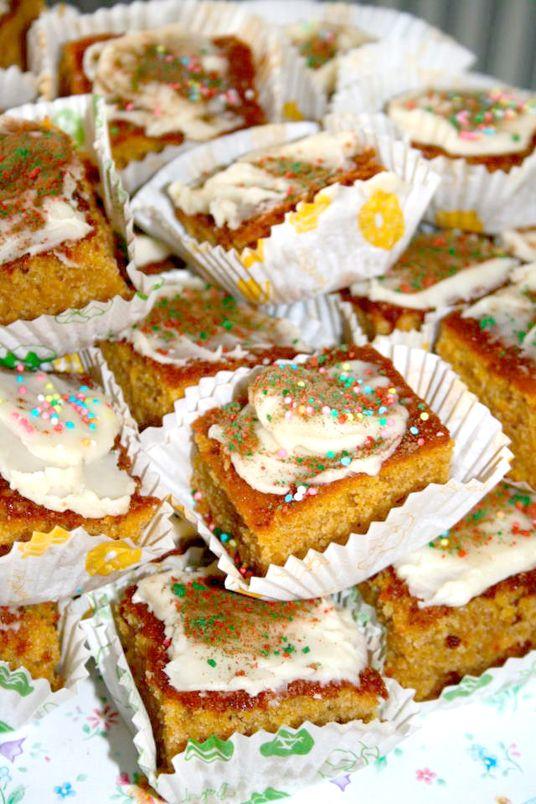 ... (θεϊκό) γλάσο! Pumpkin cake with brown butter icing