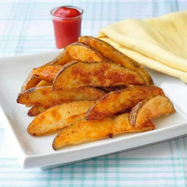 Crispy Oven Baked Potato Wedges | Yummy in My Tummy | Pinterest