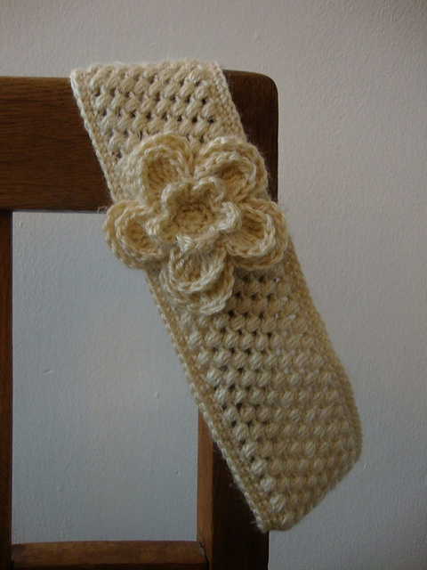 Crochet Headband With Flower Pattern Tutorial : Vanilla Crochet Headband Crochet apparel Pinterest