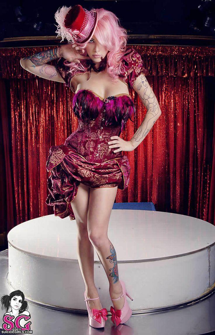 Zdenka Podkapova in 'Classic Curves' | Boudoir Inspiration | Pinterest: pinterest.com/pin/62628251042462269