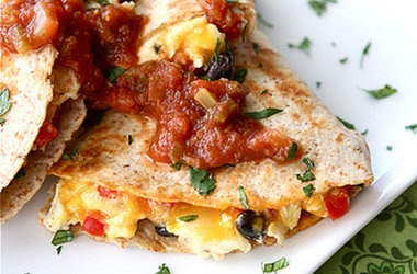 Southwestern Breakfast Quesadilla With Eggs, Black Beans & Salsa ...