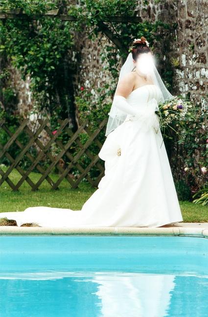 Robe de mariée de couturière achetée en Irlande. Taille 40-42